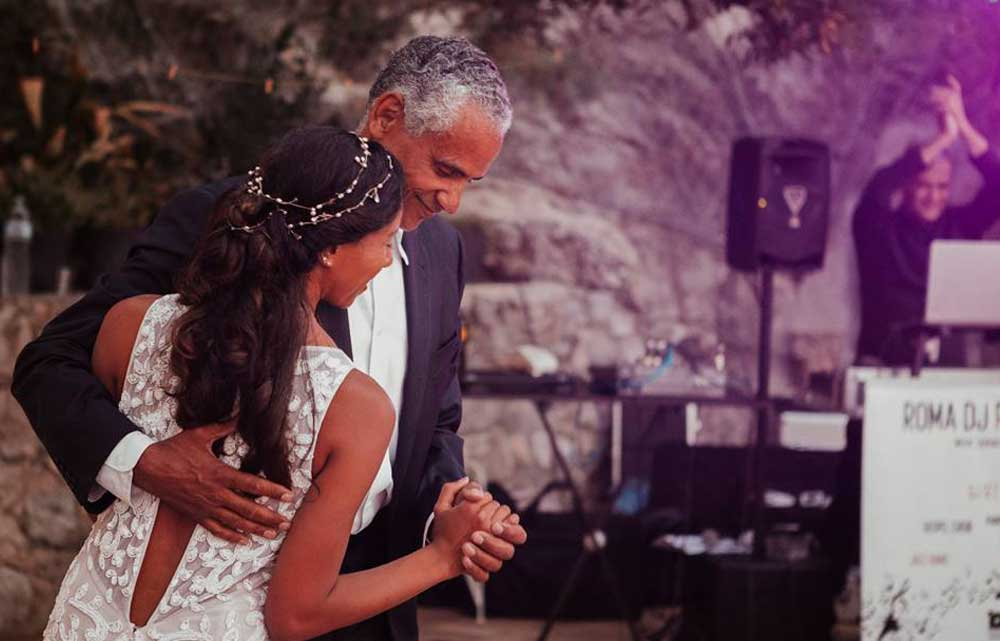 The first dance in Cetara (Amalfi coast) with the Wedding Dj Gianpiero Fatica, Romadjpianobar service for weddings and events in Italy